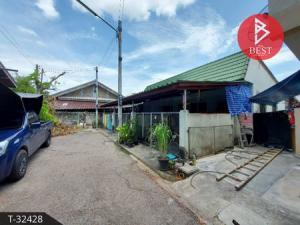 For SaleTownhouseSamut Songkhram : 3 townhouses for sale next to Soi Chong Kho, Lat Yai, Samut Songkhram with tenants.
