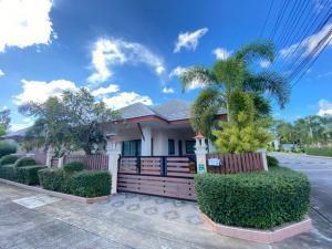 For SaleHousePattaya, Bangsaen, Chonburi : Pool villa for sale Price is 5,500,000 baht ONLY