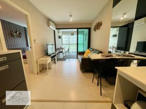 For RentCondoPhuket, Patong : Condo for rent in Phuket : Scape 3 (ZCAPE3) near Central Phuket - very large room, 1 bedroom, 1 office room, 1 living room