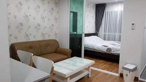 เช่าคอนโดอ่อนนุช อุดมสุข : ให้้เช่า Regent Home Sukhumvit 81 ชั้น 4 ตึก B วิวสระ