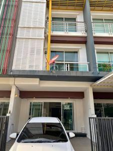 For RentTownhouseChengwatana, Muangthong : 3-storey townhouse for rent, Chuan Chuen Village, Modus Centro, Soi Chaengwattana 41.