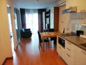 For RentCondoWongwianyai, Charoennakor : ให้เช่า 1 ห้องนอน เฟอร์นิเจอร์ครบ ใกล้บีทีเอสกรุงธนบุรี - Rent 1 Bedroom Fully Furnished
