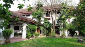 For RentHouseBangna, Lasalle, Bearing : RH569 For rent, 2 storey detached house, size 319 sq m., 4 bedrooms, 4 bathrooms, Lakeside Villa 2 village, fully furnished, ready to move in.