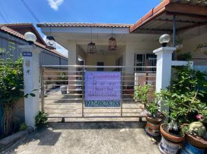 For SaleHouseMahachai Samut Sakhon : House for sale, Suetrong Village, Sarin, Sarin Road, Khok Kham, Samut Sakhon.