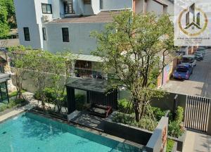For RentCondoWitthayu,Ploenchit  ,Langsuan : Na Vara Residence: Low Rise Brand New Condo in Laungsuan, Only 350m to Chit lom BTS
