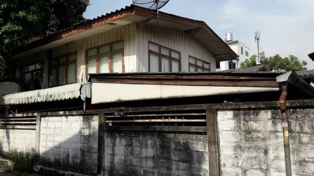 For SaleLandOnnut, Udomsuk : ขายที่ดินย่านสุขุมวิท ใกล้BTSอ่อนนุช เนื้อที่ 60 ตร.ว พร้อมสิ่งปลูกสร้างบ้านไม้ Land for Sale Sukhumvit Area Size 60 Sq wah
