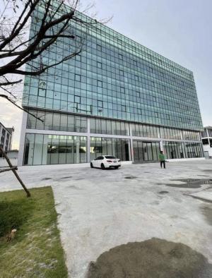 เช่าตึกแถว อาคารพาณิชย์เลียบทางด่วนรามอินทรา : Rental : Stand Alone Office Building in Ram intra , Lardpraw 71 , 7 Floors , 3,200 Sqm ปล่อยเช่า อาคารสำนักงานทั้งตึก รามอิทรา 7 ชั้น , 3,200 sqm  📌 Car Park 50 📌 3 Years Contract At Less 📌 3,200 sqm🔥🔥 Rental Price : 800,000 THB / Month🔥🔥