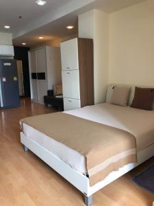 For RentCondoSukhumvit, Asoke, Thonglor : 🔥Hot Deal🔥 Rent Nusasiri Ekamai, studio room, size 38 sq m., price only 15000 baht/month, contact Nat 095-987-9669