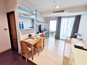 For RentCondoSukhumvit, Asoke, Thonglor : Condo for rent, 59 Heritage Sukhumvit, size 37 sq.m., 15th floor, near BTS Thonglor.