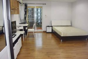 For RentCondoRattanathibet, Sanambinna : C1135 Condo for rent, Regent Home 25 Tiwanon, near MRT MRT, Ministry of Public Health. Side of Tiwanon Road, Building C