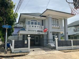 For RentHouseBangbuathong, Sainoi : For rent *beautiful house* behind the corner* Single house in Manirin Village, Tha It, Rattanathibet