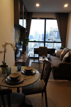 "For RentCondoSiam Paragon ,Chulalongkorn,Samyan : 🚨 ASHTON CHULA SILOM 🚨 ""Hot deal!!! "" 1 bed 1 bath 33 sq.m. Floor 20+ : Price 25K #PW04"