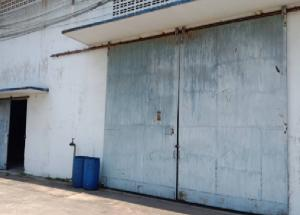 For RentWarehouseRathburana, Suksawat : For Rent Warehouse for rent with parking space for more than 10 cars, warehouse area 450 square meters, Suksawat Road, Phra Pradaeng, not deep into the alley, very good location, short trailer, accessible