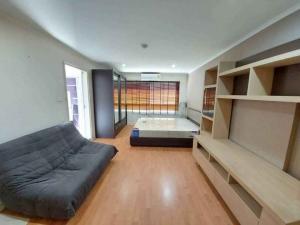 For RentCondoRatchadapisek, Huaikwang, Suttisan : For rent, Lumpini Ville, Cultural Center, near Huai Khwang MRT.