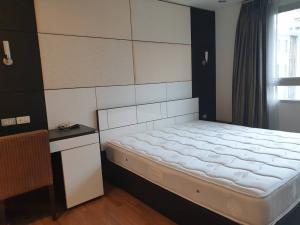 เช่าคอนโดสุขุมวิท อโศก ทองหล่อ : Urgent Rent ++High Floor ++ Fully Furnished ++ Wardrobe Closet ++ BTS Thonglor ++ Available@ 20000 Covid Price 🔥🔥