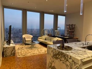 เช่าคอนโดสาทร นราธิวาส : 🗣For Rent🔹The Ritz - Carlton Residences at MahaNakhon🔹ตกแต่งสวย ราคาพิเศษ‼️