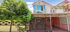 For SaleHouseBangbuathong, Sainoi : 📣📣 Selling cheap!! Semi-detached house, Sivarat University, 9 behind the rim, 60 sq wa, very good location!!! Bang Kruai - Sai Noi Road, Bang Bua Thong, Nonthaburi, Kanchanaphisek, MRT Purple Line