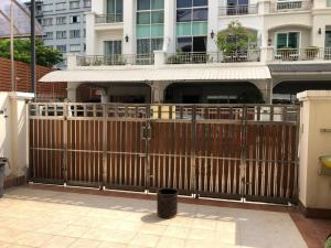 For RentTownhouseRama3 (Riverside),Satupadit : For rent townhome 4 floors Rama 3