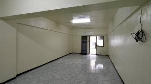 For RentCondoLadprao101, The Mall Bang Kapi : (Owner owns) Condo for rent, Bang Kapi Condo Town, Building A, empty room with air conditioning, size 39 sqm.