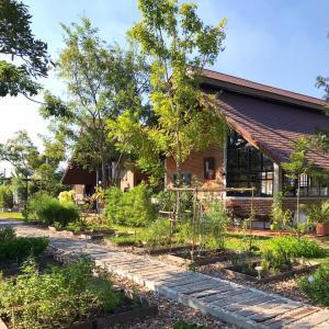 For SaleRetailRangsit, Patumtani : Land for sale with cafe business On land and large orchards, Khlong 7, Lam Luk Ka, Pathum Thani AN184