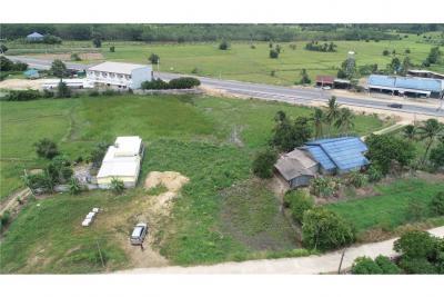 ขายที่ดินนครศรีธรรมราช : ที่ดินใกล้คีรีวง พร้อมสร้างบ้าน ต.ท่าดี อ.ลานสกา