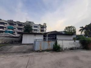 For RentWarehousePattanakan, Srinakarin : Warehouse for rent with 1 house, Soi Phatthanakan, Suan Luang District, Bangkok.