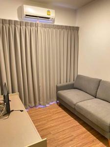 For RentCondoSamrong, Samut Prakan : RT0319 ????Price negotiable for rent Condo Notting Hill Sukhumvit-Praksa ????️????️ 4th floor corner room near elevator