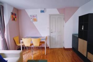 For RentCondoOnnut, Udomsuk : RT0302 ❣️❣️2 bedrooms cheap ❣️❣️ Condo for rent Regent Home 22 Sukhumvit 85 near BTS On Nut 500 meters.