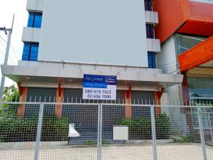 For RentHome OfficeSamrong, Samut Prakan : Office/Showroom Building near MRT Sri Lasalle on Srinakarin Road