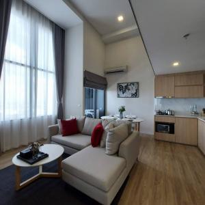 เช่าคอนโดอ่อนนุช อุดมสุข : For rent / ให้เช่า Siamese 48 ห้อง Deplex 2 ห้องนอน size ใหญ่ ฟรีwifi และทำความสะอาด