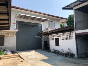 For RentWarehouseRathburana, Suksawat : Warehouse for rent, 1,300 sq.m., Suksawat area, Phutthabucha, Rama 2, Chom Thong district, Bangkok.