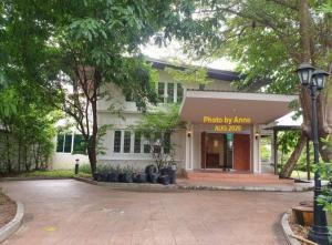 For RentHome OfficeSukhumvit, Asoke, Thonglor : Single house for rent for business, BTS Ekkamai - Phra Khanong