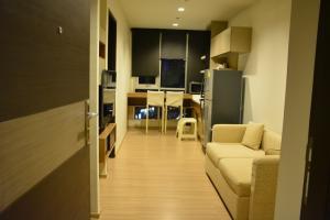For RentCondoSathorn, Narathiwat : Condo for rent, Rhythm Sathorn 21, Building North, 19th floor, east, size 35 sq m.