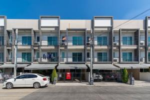 For RentTownhouseOnnut, Udomsuk : NA-H6000 3-storey townhome for rent/sale, Baan Klang Muang, Sukhumvit 77, near BTS On Nut.