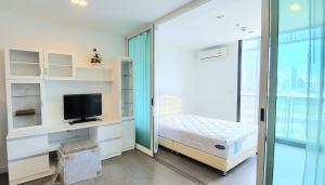 For SaleCondoRama9, RCA, Petchaburi : Condominium for sale! A Space ID (Asoke-Ratchada)near Phra Ram 9 MRT station, Fortune Town. Fully Furnished!