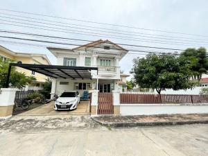 For SaleHouseSamrong, Samut Prakan : Cheap sale, single house with land, Nantawan, Srinakarin, Samut Prakan, next to Kanchanaphisek expressway.