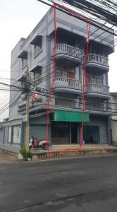 For RentShophouseNawamin, Ramindra : 3 and a half storey commercial building for rent Soi Phahonyothin 58 (Soi Annex), good sales, good location.