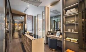 ขายบ้านรัชดา ห้วยขวาง : Selling Ultra Luxury house in Ratchada - Rama 9   📌 Area Rang : 700 sqm - 865 sqm  📌 Room Type : 4 - 5 bed & 5 - 6 bath  📌 Parking Lot Detail : 4 - 7 Parking Lot  📌 Living Area Hight Celing : 6 m.  📌 Smart Home Syst