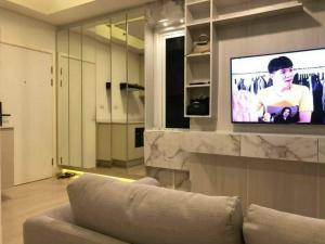 เช่าคอนโดรัชดา ห้วยขวาง : คอนโดให้เช่า Chapter One Eco รัชดา ห้วยขวาง💥built-inสวย จัดเต็มทั้งห้อง💥 ใกล้ MRT ห้วยขวาง MRTศูนย์วัฒนธรรม สวยเรียบ  Fully furnished   1 bed room แยกเป็นสัดส่วนขนาด 29.6 ตร.ม ตึก D ชั้น 9 💰ราคาเช่า : 14,000 บาท / เดือน