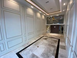 เช่าโฮมออฟฟิศสุขุมวิท อโศก ทองหล่อ : 🎊FOR RENT อาคารพาณิชย์ ทำเลทอง🌟5.5ชั้น ขนาด 280ตรม ใกล้BTS เอกมัย เพียง 200เมตร 👉ตกแต่งสวยงามพร้อมอยุ่ .