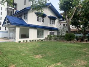 For RentRetailSukhumvit, Asoke, Thonglor : Rent a house for a cafe & restaurant Ekkamai 19