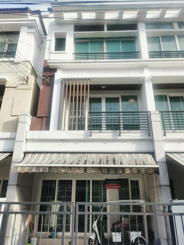 For SaleTownhouseChokchai 4, Ladprao 71, Ladprao 48, : 3-storey townhouse for sale, Baan Klang Muang Ladprao-Sena 2, 3 bedroom size, 5.88 million baht.