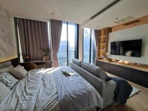 For SaleCondoWitthayu,Ploenchit  ,Langsuan : 1 bedroom for sale, very nicely decorated, the most beautiful view in the project, high floor, Noble Ploenchit, interested to make an appointment to view the project, call 062-339-3663