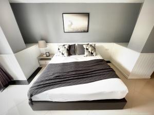 เช่าคอนโดอ่อนนุช อุดมสุข : Pet friendly คอนโดให้เช่า - Waterford Sukhumvit 50 - 1 ห้องนอน ชั้น 4 แต่งสวย กว้าง พร้อมอยู่