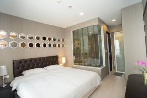 For SaleCondoOnnut, Udomsuk : Condo for sale Rhythm Sukhumvit 44/1 fully furnished with tenant.