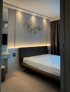 For RentCondoLadprao, Central Ladprao : Life Ladprao, beautiful room, high floor, good price, negotiable