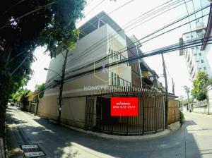 For RentHome OfficeSukhumvit, Asoke, Thonglor : ให้เช่าทาวน์โฮม 4 ชั้น หลังมุม เหมาะทำออฟฟิศ,อยู่อาศัย ใกล้ BTS เอกมัย เขตวัฒนา กรุงเทพ 4 storey home office for rent, behind the corner, near BTS Ekkamai, Watthana, Bangkok.