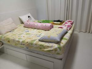 For RentCondoRama9, RCA, Petchaburi : Rent a space asoke ratchada, building D, project view, floor 12, room size 32 sqm. 1 bedroom, 1 bathroom, price 9000