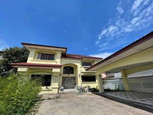 For SaleHouseLadprao, Central Ladprao : House for sale, Soi Ladprao 25, near MRT Ladprao.