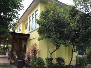 For RentHouseRamkhamhaeng,Min Buri, Romklao : House for rent, 130 sq m., Perfect Place Village, Ramkhamhaeng 164, beautiful, ready to move in.